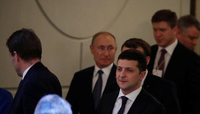 Путин и Зеленский о Донбассе, газе и допинге. Главные заявления с саммита в Париже за пять минут