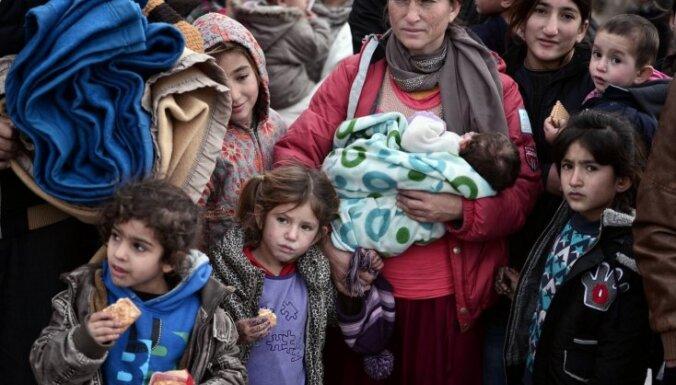 На границе Латвии с Россией начали возводить забор от мигрантов