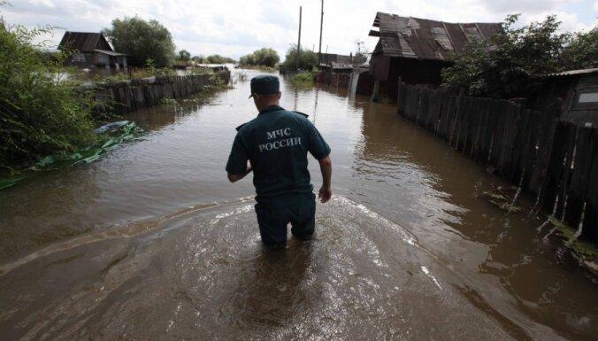 Россия: Уссурийск затопило после прорыва дамбы