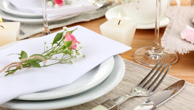 Ēdiena garšas vērtējumu ietekmē arī tas, kādi ir galda piederumi