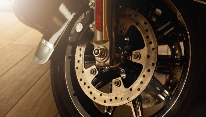 Madonā policija apturējusi motociklistu kluba 'MC Pardaugava' aizliegtu privāto pasākumu