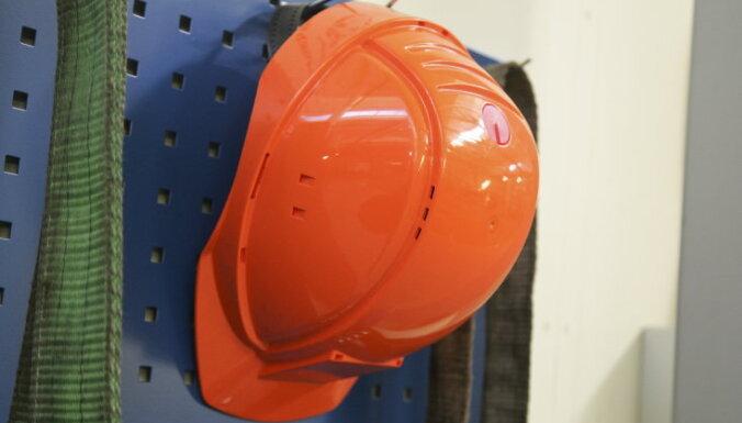 Darba inspekcija negrasās kontrolēt 'īsās' pirmssvētku darba dienas ievērošanu
