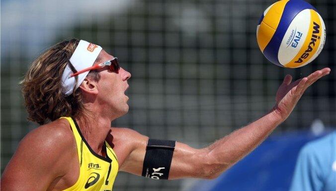 Latvijas vadošie pludmales volejbola dueti uzsāk jauno sezonu Dohā