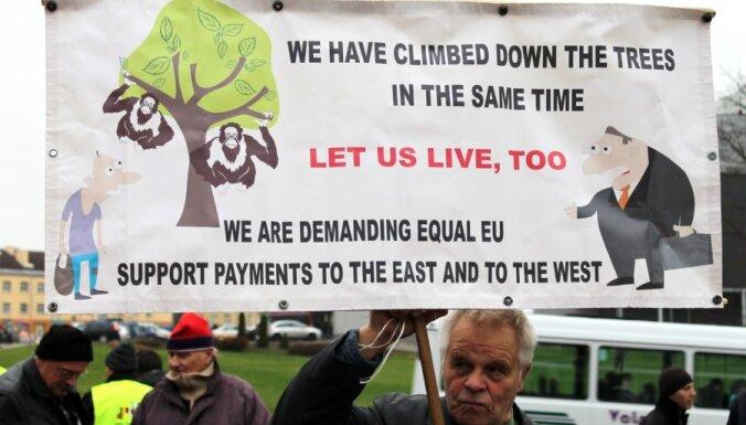 """Бюджет ЕС: крестьяне не хотят быть в роли """"дурачка"""" и готовятся к протестам"""