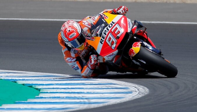 Markess pēc uzvaras dzimtajā Spānijā pārņem vadību 'MotoGP' kopvērtējumā
