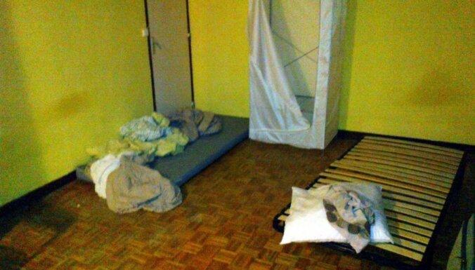 Viesstrādnieku no Latvijas darbadevējs Parīzē izmitina smirdošā dzīvoklī