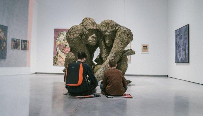 Modernās mākslas muzejā Viļņā skatāmi Daigas Grantiņas un Miķeļa Fišera darbi