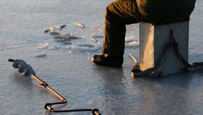 Рига: в Вецдаугаве нашли тела двух утонувших рыбаков