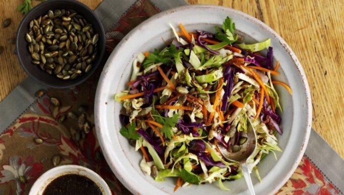Siltie kāpostu salāti