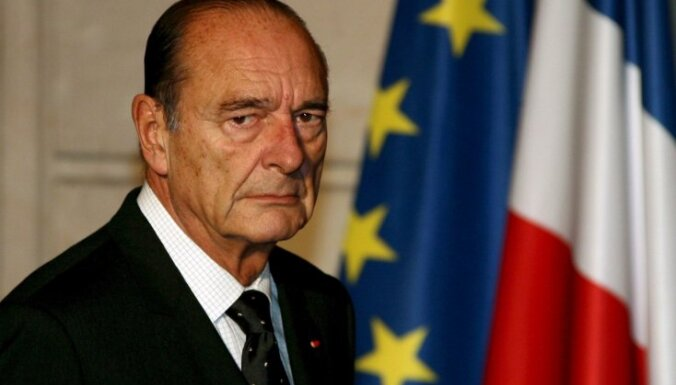 Francijas eksprezidentu Širaku varēs tiesāt