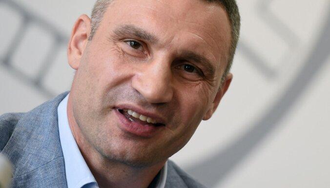 Суд обязал открыть уголовное дело против Кличко по подозрению в госизмене