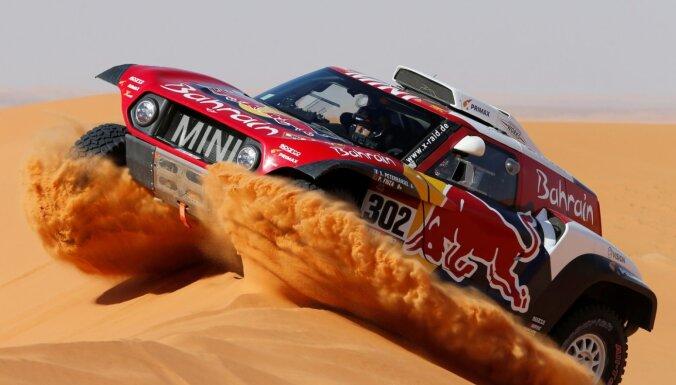 Peteransels uzvar Dakaras rallija posmā; Sainss palielina pārsvaru kopvērtējumā