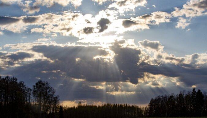 В Латвии ожидается прохладное и дождливое лето