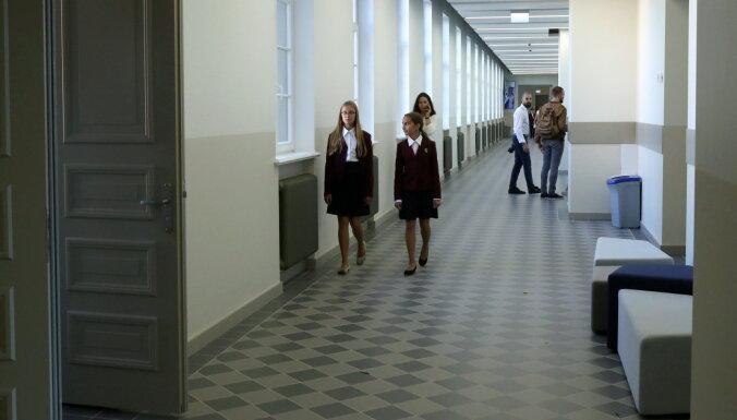 В общих помещениях школы ученики должны будут соблюдать дистанцию