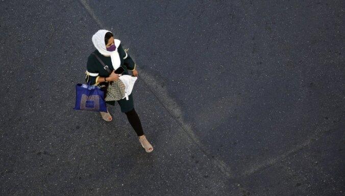 Covid-19: Irānā upuru skaits esot trīsreiz lielāks par oficiāli ziņoto