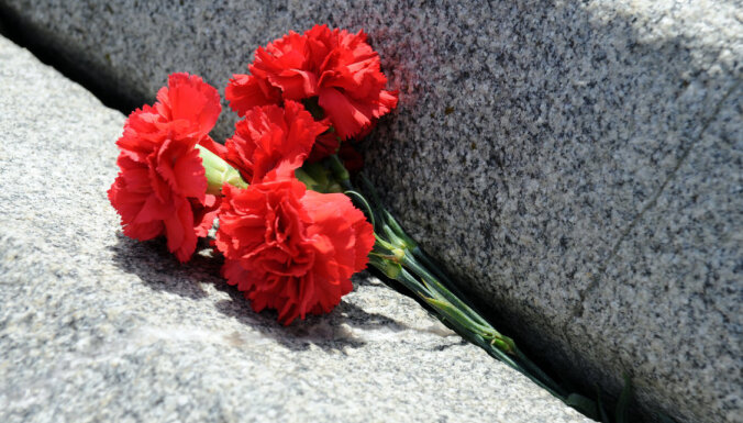 "22 апреля. Немцы штурмуют ""Милду"", бэби-бум по-латвийски и признание США"