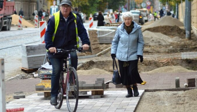 'Seismiski aktīvā zona' – rīdzinieki apspriež Barona ielas remontu