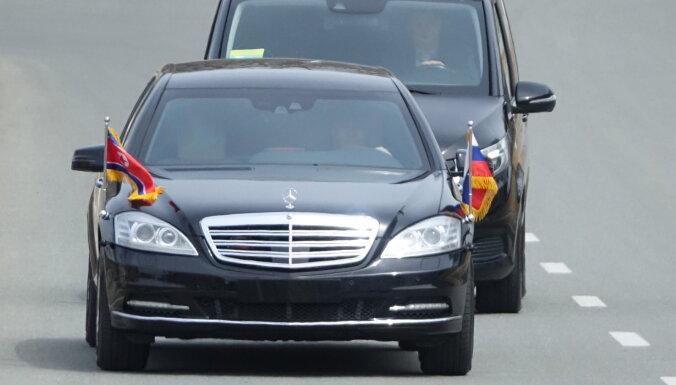 Daimler не знает, откуда у Ким Чен Ына его лимузины