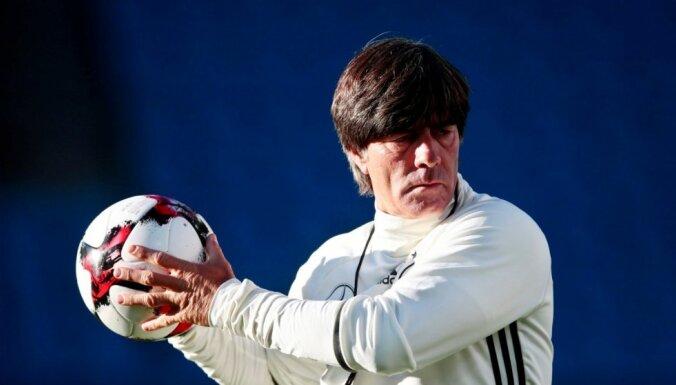 Лев не уйдет из сборной Германии после провала на чемпионате мира в России