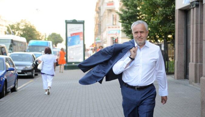 "TV3: по ""делу airBaltic"" Латвия заплатит 9 млн евро бизнесменам, связанным c Андрисом Шкеле"