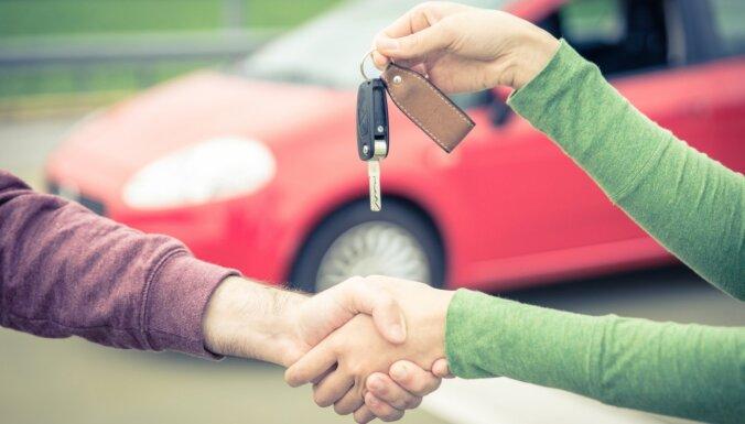 В январе продажи новых автомобилей в Латвии упали почти на 32%