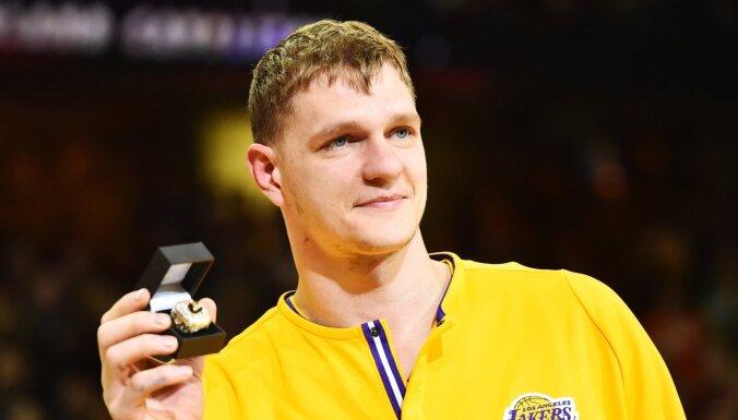 Oficiāli: Latviešu pārstāvētā 'Himki' mājās sagaidījusi NBA čempionu Mozgovu