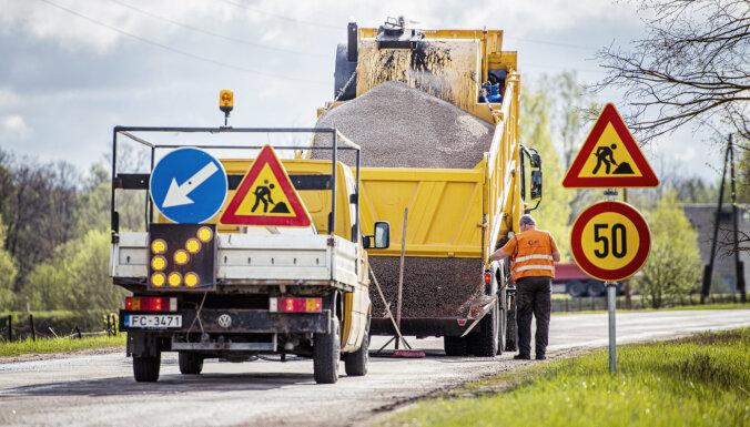 Notiek bedru masveida remonts uz valsts autoceļiem