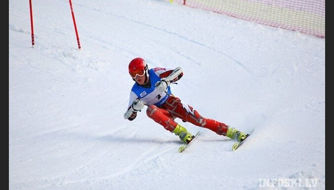 Zvejniekam trešā vieta un Gasūnai ceturtā vieta FIS sacensībās kalnu slēpošanā