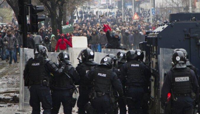 Беспорядки в Косово: ранены десятки человек, арестован мэр-радикал Приштины