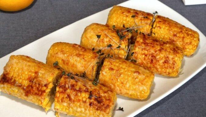 Cepta kukurūza ar sieru un aso papriku