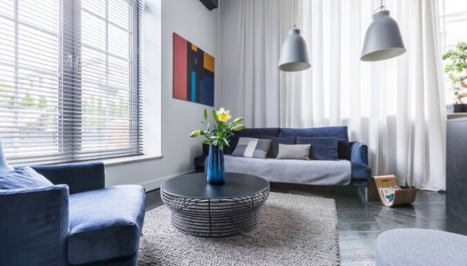 Шесть основных идей для оформления комнаты с двумя окнами
