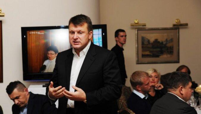 Шлесерс придумал, как спасти латвийский транзит от потери российских грузов