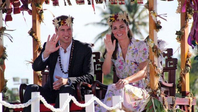 Britu karaļnamā jauns princis - Viljamam un Keitai piedzimis zēns (ar foto no 'gaidīšanas svētkiem')