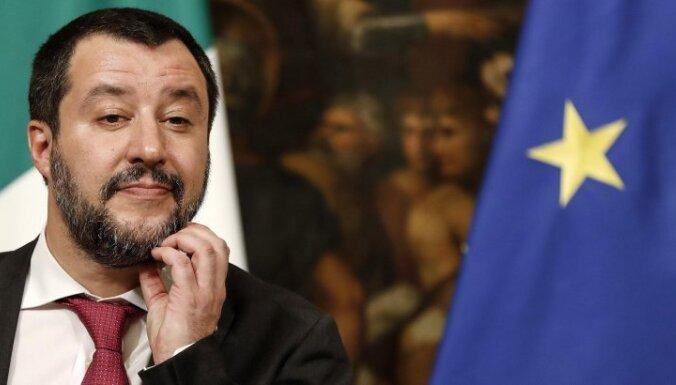 Francija necenšas panākt mieru Lībijā, pauž Salvīni