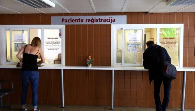 Šonedēļ senioru vakcināciju pret Covid-19 sāks ģimenes ārsti