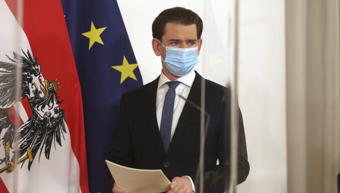 "Канцлер Австрии заявил о возможности закупки ""Спутника V"""