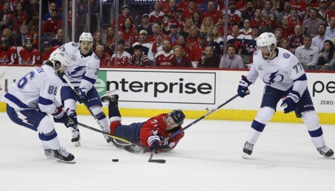Tampabejas 'Lightning' Stenlija kausa pusfinālā panāk Vašingtonas 'Capitals'
