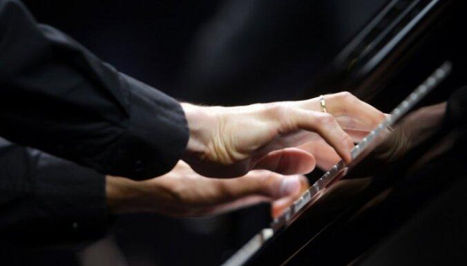 Vestards Šimkus par koncertizrādi 'Novecento' – 'Tūkstošdeviņsimt' 'Rīgas festivālā'