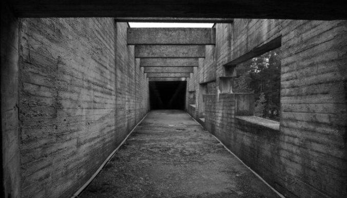 'Aiz šiem vārtiem vaid zeme' – vēsturnieki lauž mītus par Salaspils nometni