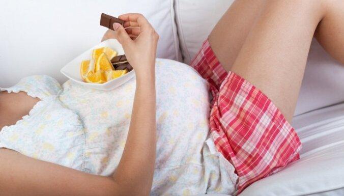 Grūtnieces bezmaksas lekcijās aicina papildināt zināšanas par veselīgu uzturu