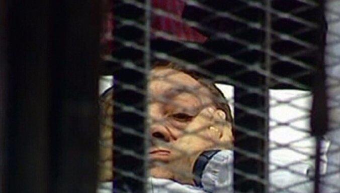 Египтяне выступают за казнь экс-президента Мубарака
