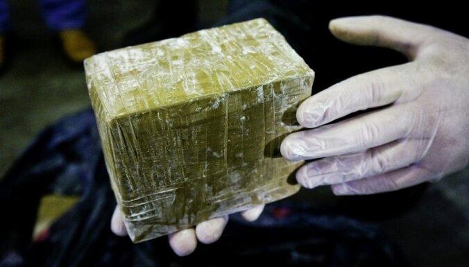 На Тенерифе к эстонской яхте прибило ящики с 500 кг наркотиков