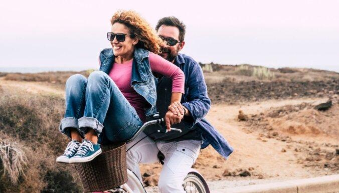 Kā cimds ar roku - astoņas emocionālās vajadzības, kuras ņemt vērā attiecībās