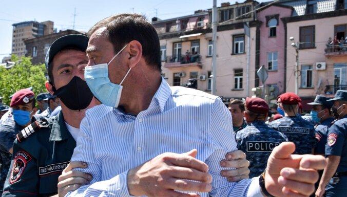 В Армении задержаны более 100 сторонников лидера оппозиции Гагика Царукяна