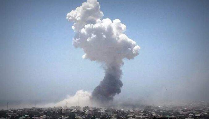 Džihādisti atgriežas Mogadišu – divi sprādzieni aiznes jumtus un dzīvības