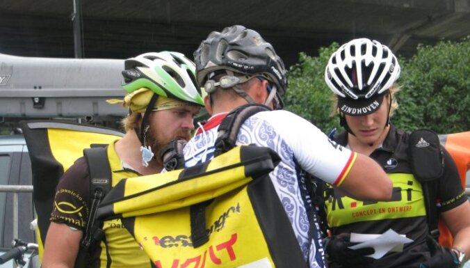 Latvijas pārstāvim tiek pasaules velokurjeru čempiona tituls
