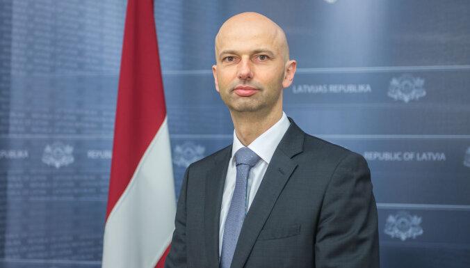 Глава Госканцелярии обрисовал готовящиеся ограничения для сдерживания Covid-19 в Латвии