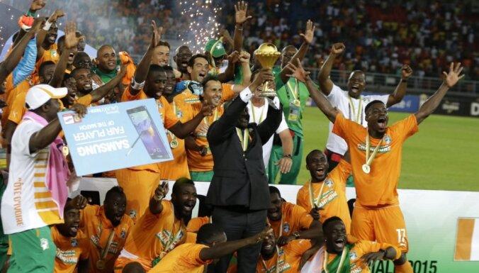 Āfrikas Nāciju kausā garā pēcspēles sitienu sērijā triumfē Kotdivuāra