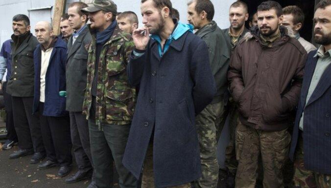 Ukrainas miera sarunās Minskā panākta vienošanās par gūstekņu apmaiņu