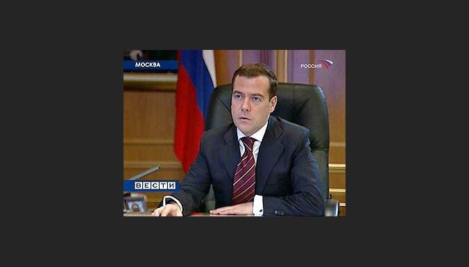 Medvedevs: Krievija no Gruzijas sāks iziet pirmdien; Merkele labvēlīga pret Gruzijas vēlmi iestāties NATO (22:19)